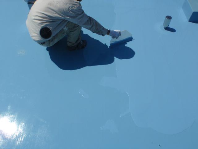 ウレタン防水材塗り2回目